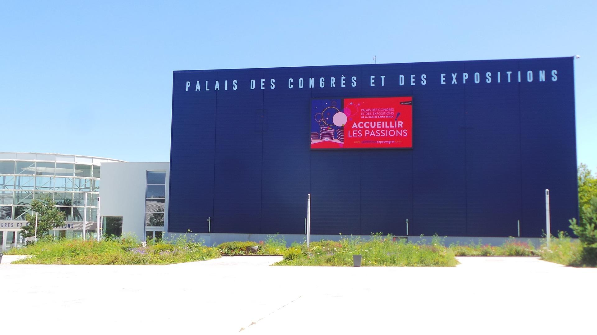 Parvis Palais des Congrès Saint-Brieuc